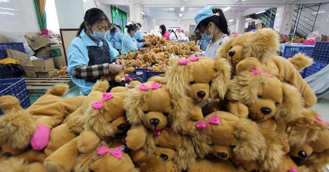 101356881-china-factory-stuffed-toys-1910x1000