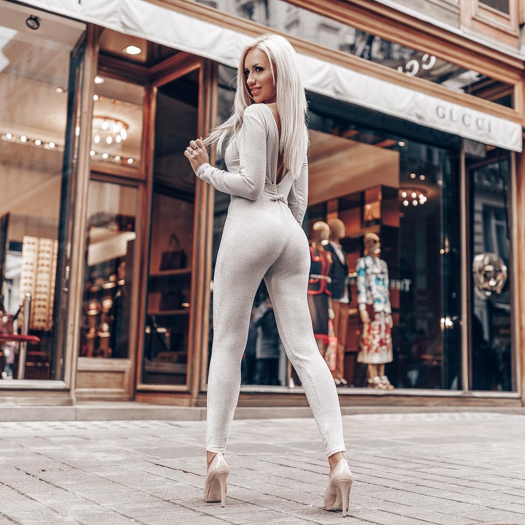 Katarzyna-Czulek-Wallpapers-Insta-Fit-Bio-1