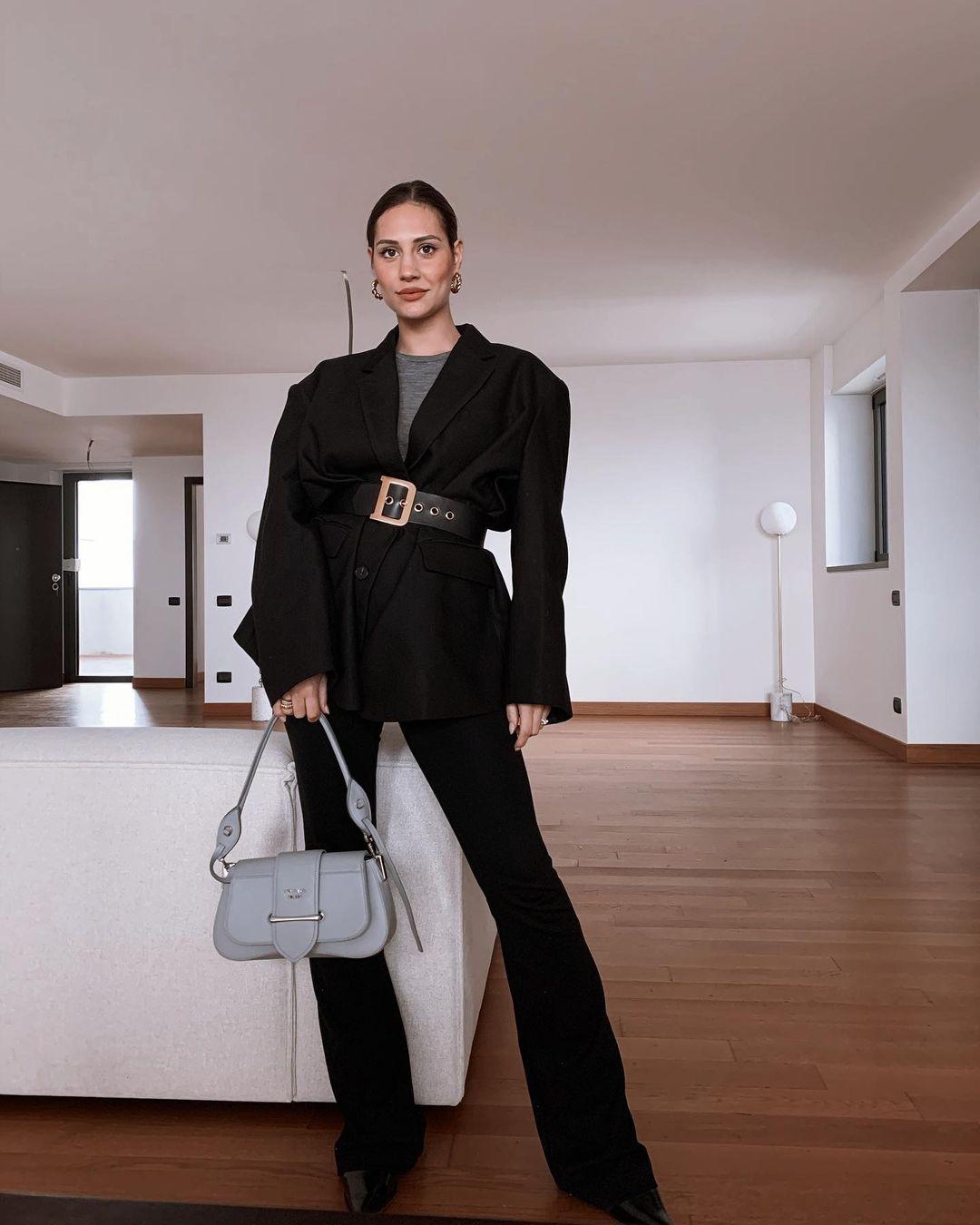 Beatrice-Valli-Wallpapers-Insta-Fit-Bio-7