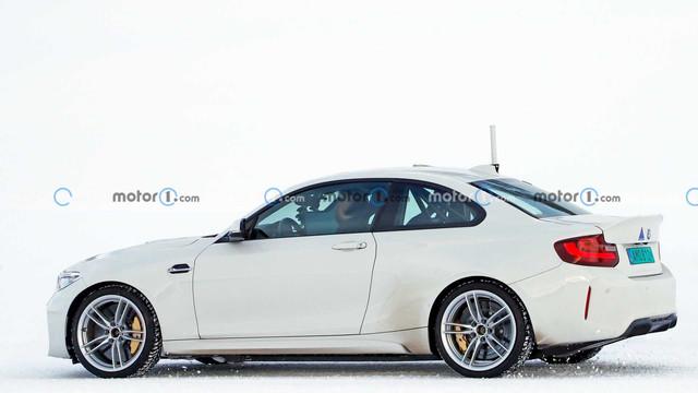 2024 - [BMW] I2 049-A41-B4-FEB3-421-D-BDC2-384-D49-E06423