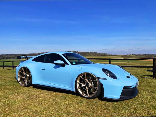 000-Dr-Knauf-Slammed-Altered-Porsche-992-GT3-Gulf-Blue-2021