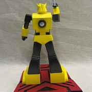 Pop-Culture-Shock-9-inch-G1-Bumblebee-3