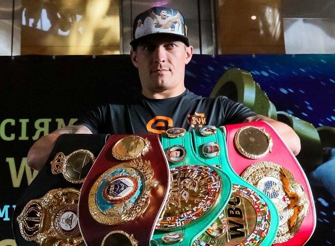 Александр Усик  Боксер года 2018 по версии BoxingScene.com