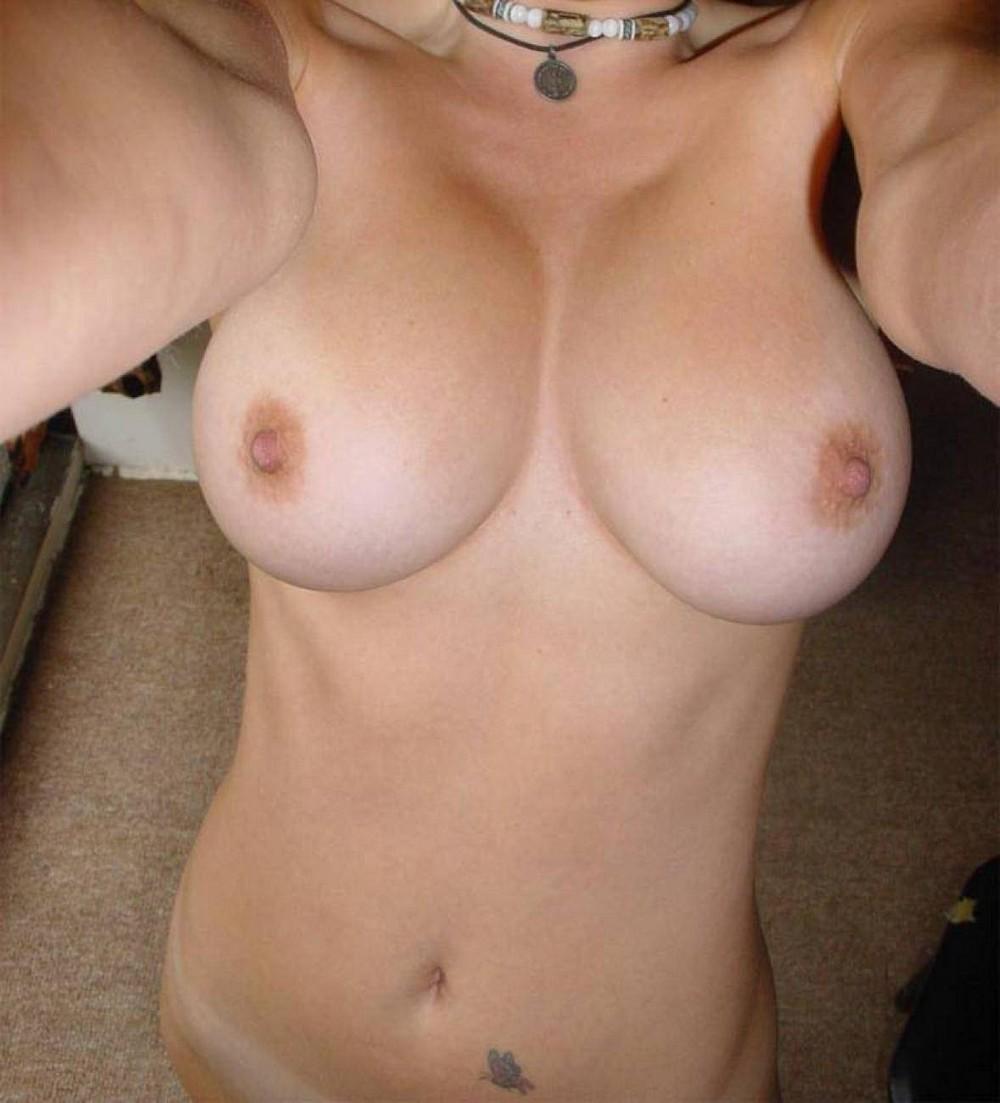 Частное фото груди женской