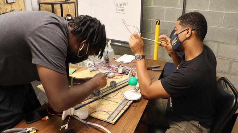 Electrical-Technician-training-in-technician-training-school
