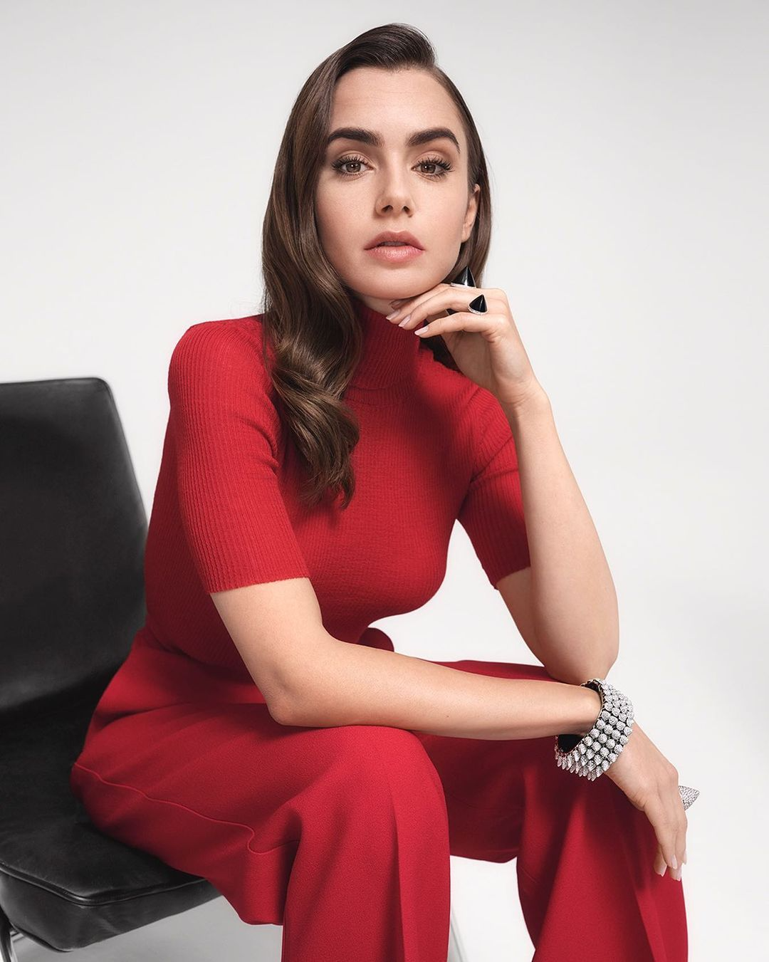Lily-Collins-2