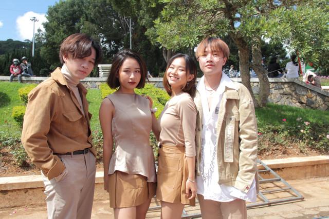 Việt Thi thấy 'áp lực' khi đón tuổi 16 cùng P336 Band và O2O Girl Band