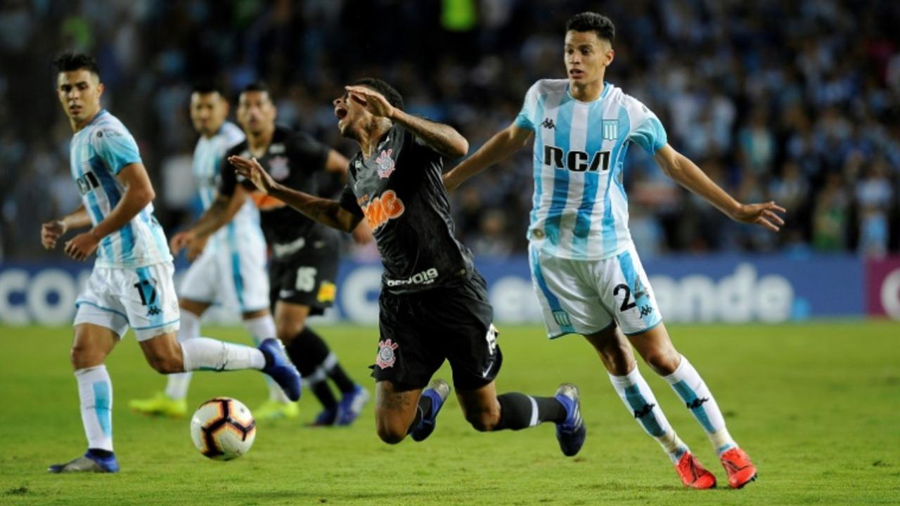 Con susto y por penales, Royal Pari y Corinthians a segunda fase de la Sudamericana