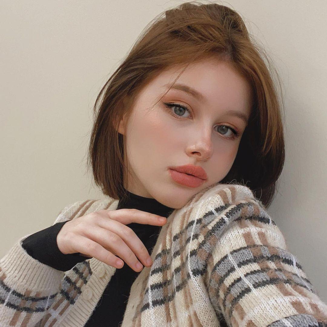 Darina-Brodskaya-Wallpapers-Insta-Fit-Bio-5