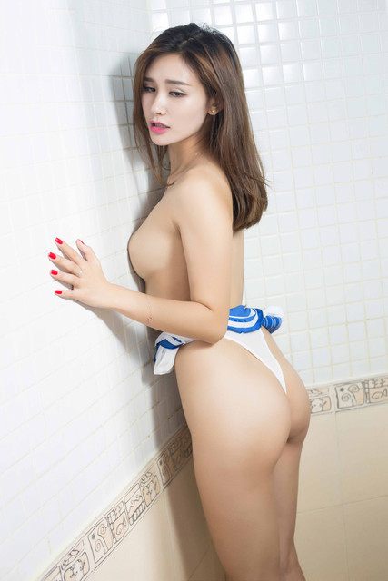 Foto Bugil Telanjang Cewek Mandi Di Shower