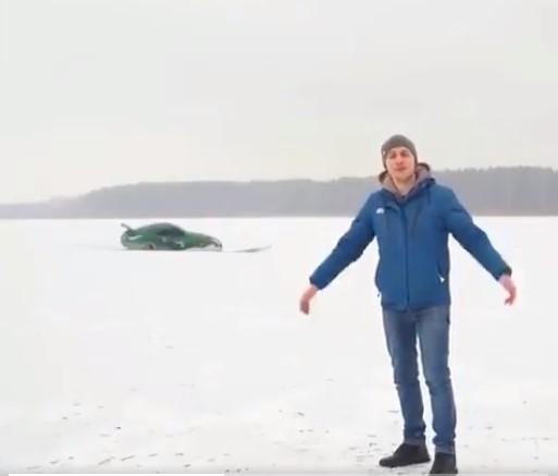 VIDEO: Tokom snimanja reklame pukao led pod automobilom, a vozač morao spašavati živu glavu