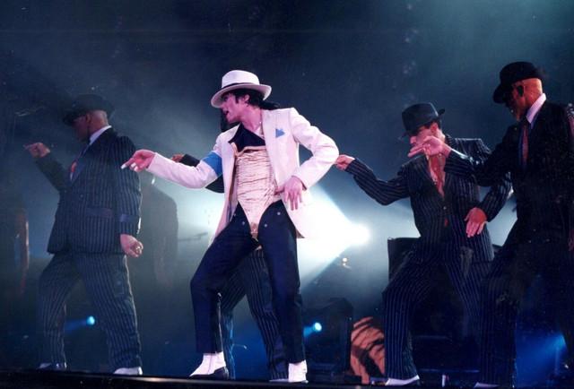 Michael-Jackson-Photo-Exclusive-Image-12-Inch-Unreleased-1996
