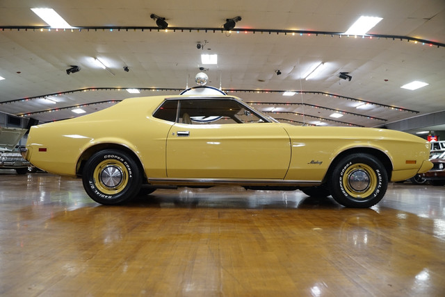 [Image: 73-Light-Gold-Coupe4.jpg]