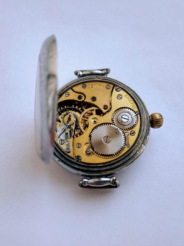 02-Zenith-wristwatch-1917.jpg