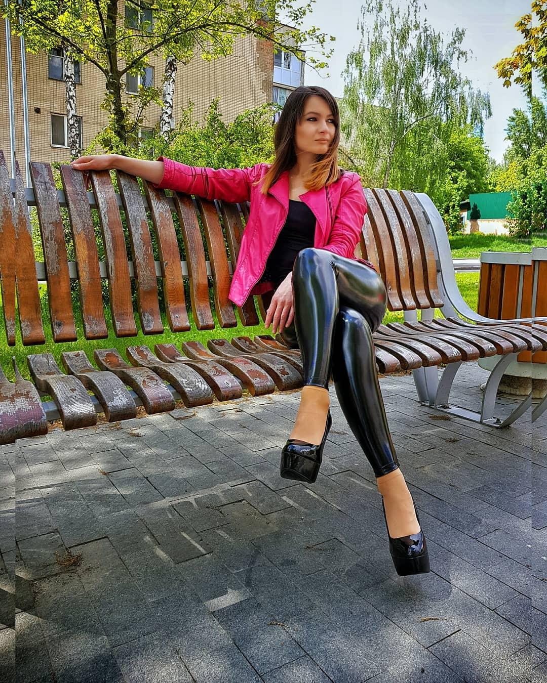 Olga-Madych-Wallpapers-Insta-Fit-Bio-6