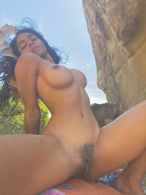 princesshelayna-18-05-2020-40562014-Opening-up-for-you-swipe