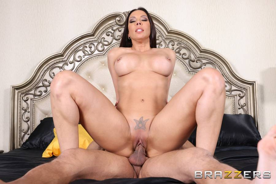 Rachel Starr, Johnny Castle – Slut Magic – Brazzers Exxtra – Brazzers