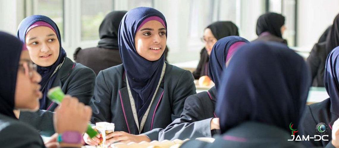 Франция закрывает мусульманскую школу
