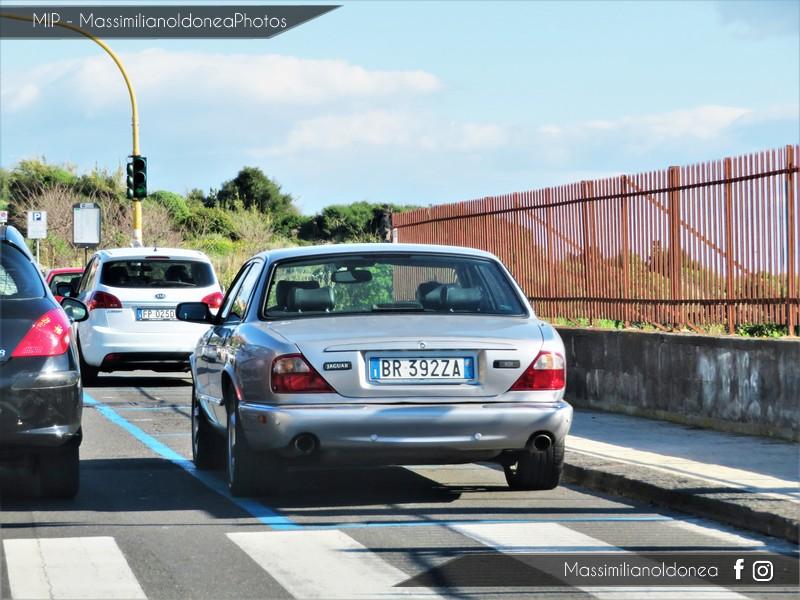 Avvistamenti auto rare non ancora d'epoca - Pagina 19 Jaguar-XJR-3-2-363cv-01-BR392-ZA-148-897-29-05-2017