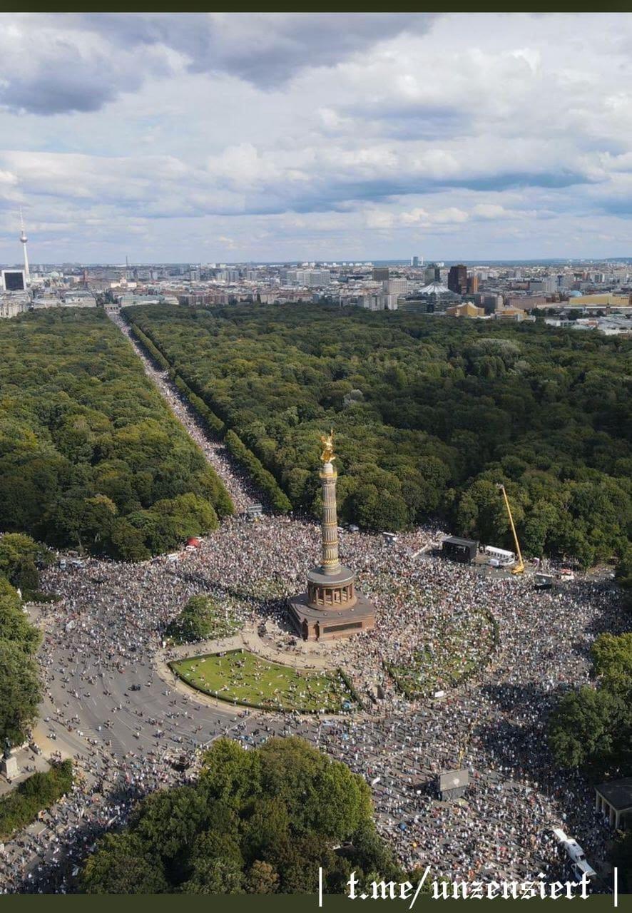 40,000 in Berlin