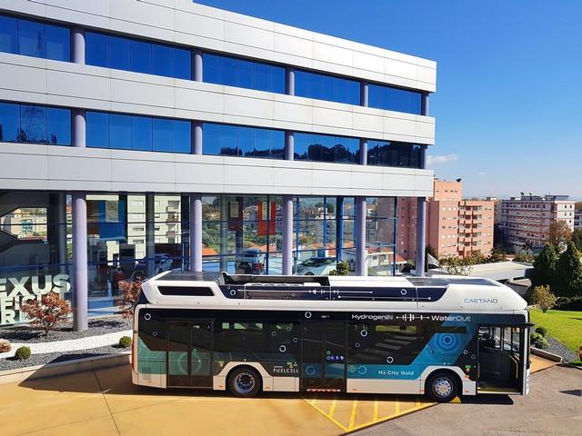 Toyota Motor Europe renforce son alliance stratégique avec CaetanoBus et Finlog dans le secteur des bus à hydrogène H2-citygoldcaetanobus