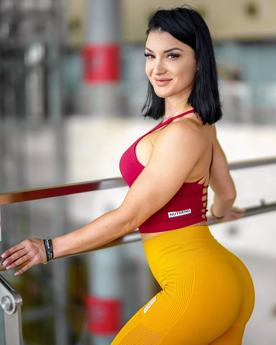 Valerija-Slapnik-Wallpapers-Insta-Fit-Bio-5