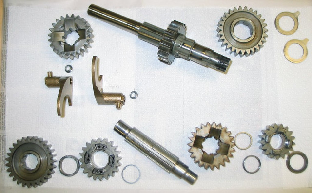 83-XLH-gears.jpg