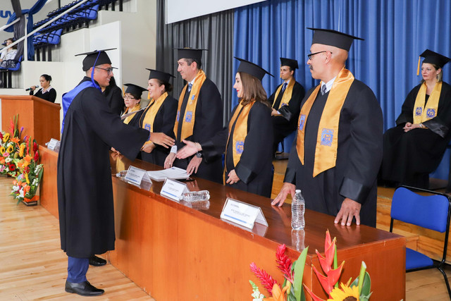 Graduacio-n-Cuatrimestral-46