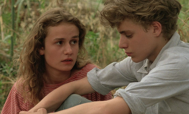 A-Nos-Amours-1983-Gaumont-1080p-Blu-Ray-x265-HEVC-FLAC-SARTRE-mkv-snapshot-00-09-44-542