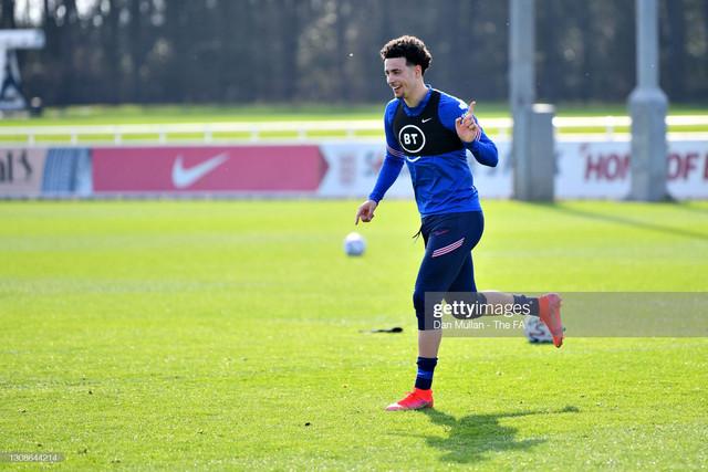 BURTON-UPON-TRENT-ENGLAND-MARCH-22-Curtis-Jones-of-England-gestures-during-the-England-U21-Training-