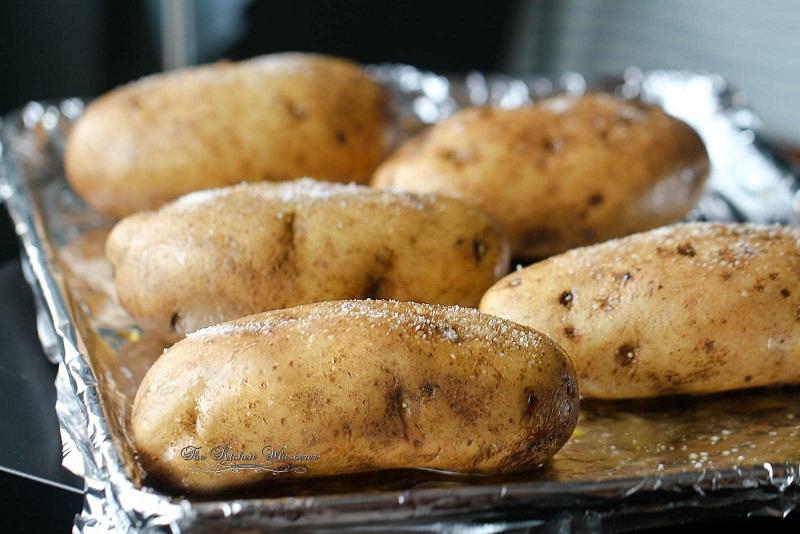 Patatet e furrës Oven-Baked-Potato3