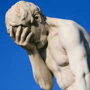 Paris-Tuileries-Garden-Facepalm-statue