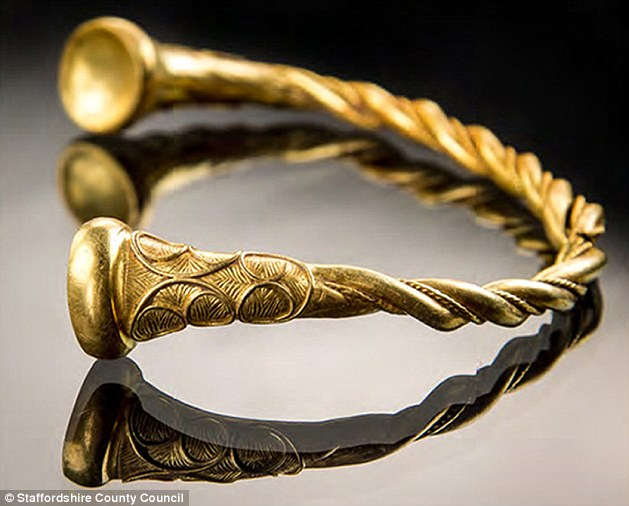 Tolkien in General - Page 32 3-DCA0-AE800000578-4266830-Two-treasure-seekers-have-found-jewellery-which-could-be-the-old-a-1-1488
