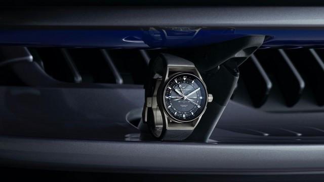 Haute performance sur terre et dans les airs: Porsche coopère avec Embraer EX22-V55-ID0012