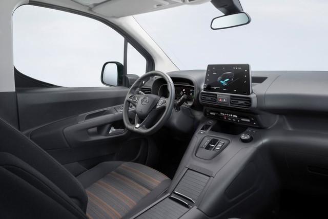 2018 - [Peugeot/Citroën/Opel] Rifter/Berlingo/Combo [K9] - Page 10 778-C5-B01-8-AFF-486-F-9-A86-52-E4-F401-E596