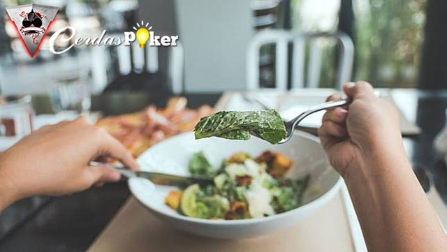 Berikut Ini 6 Tanda Seseorang Menderita Gangguan Makan