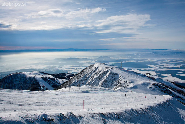 1359639496 7839 s krvavec skiing16