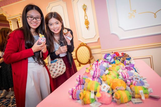 Hong Kong Disneyland Resort en général - le coin des petites infos - Page 14 B1