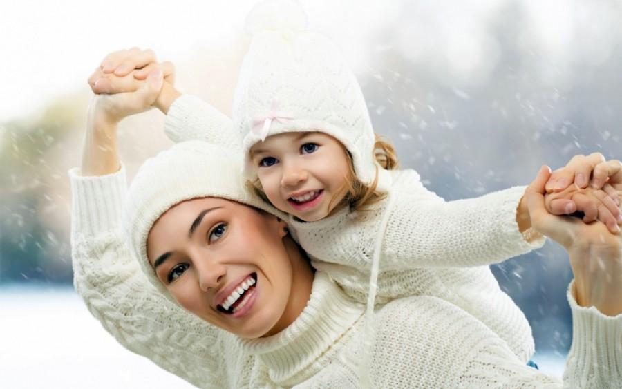 545249-mama-dziecko-zima-zabawa-nieg-2880x1800-www-Get-Bg-net-yapfiles-ru