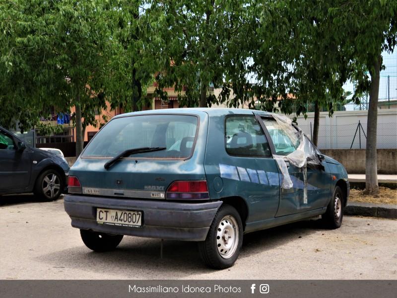 Auto Abbandonate - Pagina 14 Renault-Clio-1-2-58cv-92-CTA40807