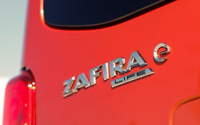 De l'électricité dans l'air : l'Opel Zafira-e Life tout électrique en vente à partir de 51 500 euros bonus environnemental déduit Opel-Zafira-e-512895