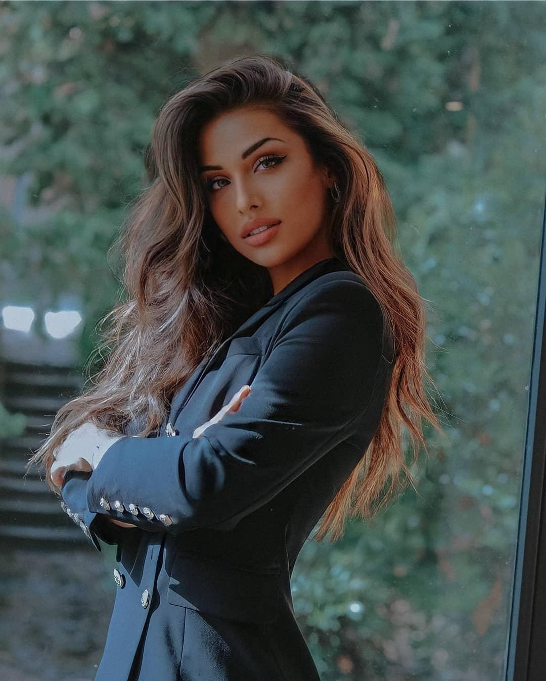Alessia-Spagnulo-Wallpapers-Insta-Fit-Bio-1