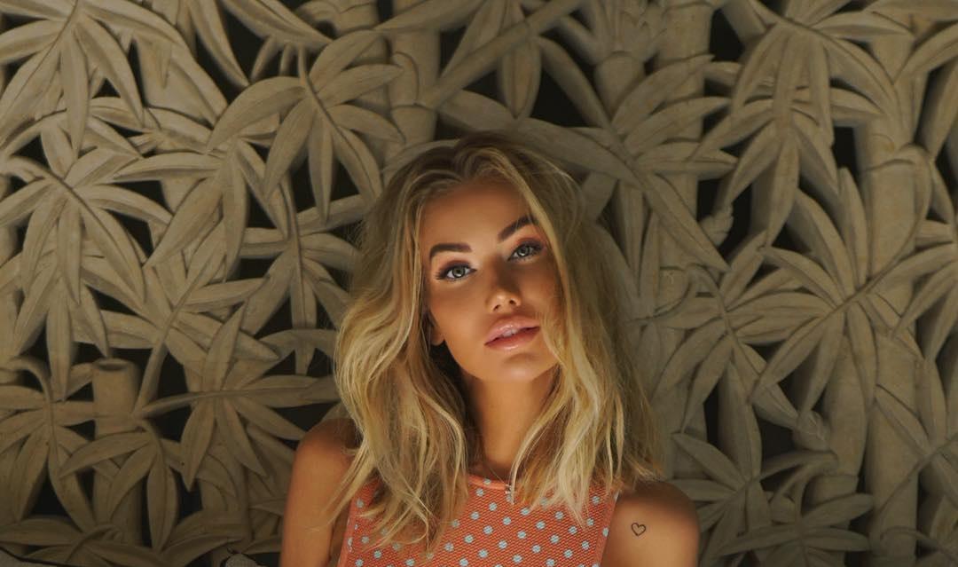 Anella-Miller-Wallpapers-Insta-Fit-Bio-7