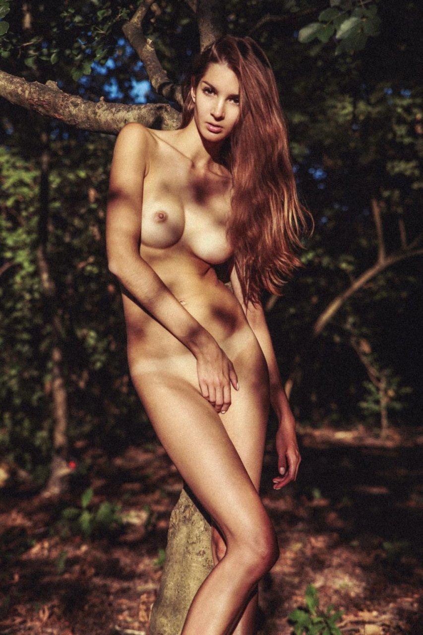 Lina-Lorenza-Nude-by-Leonardo-Glauso-6-The-Fappening-Blog-com-1024x1536