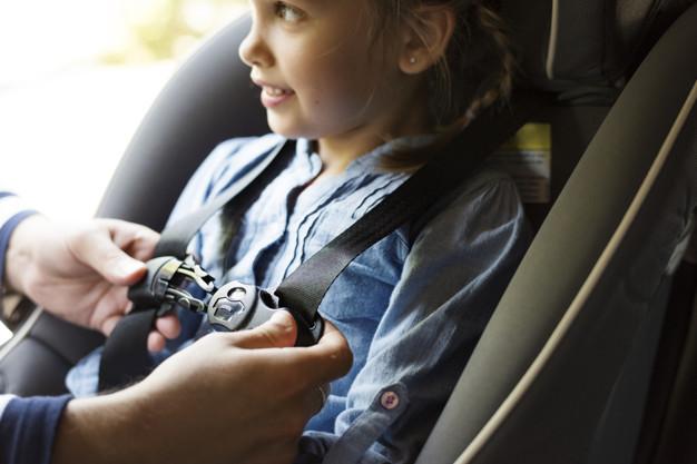 father-helping-put-seat-belt-53876-77615