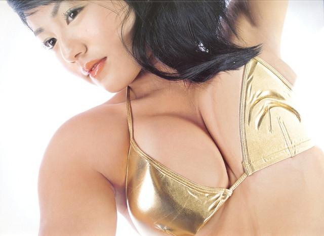 Isoyama-Sayaka-Isoyamania-035