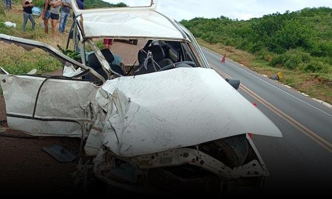 mulher-morre-br-116-acidente-boa-nova