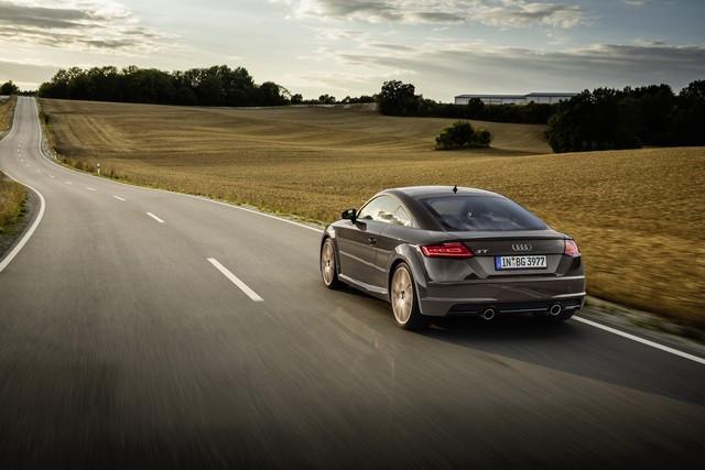 Accent sportif : l'Audi TTS competition plus A208505-medium