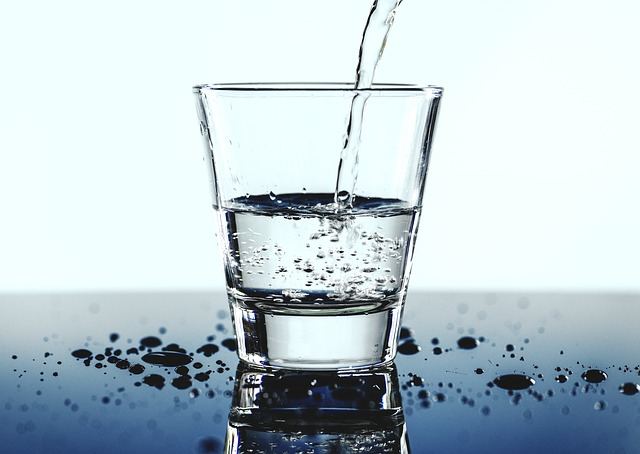 Drink plenty of water to lose weight