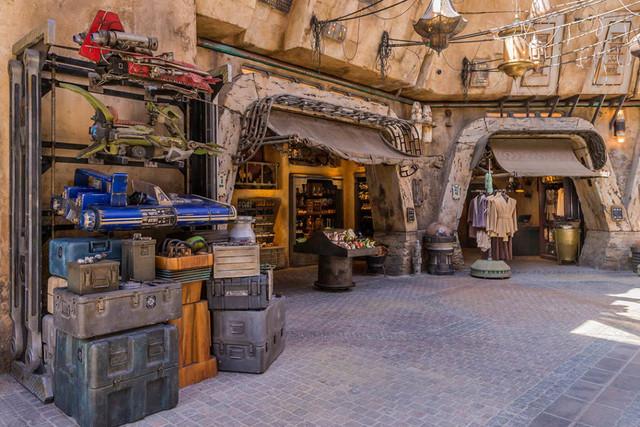 Guests-visiting-Star-Wars-Galaxys-Edge-at-Disneyland-Park-in-Anaheim-California-and-at-Disney-s-Holl